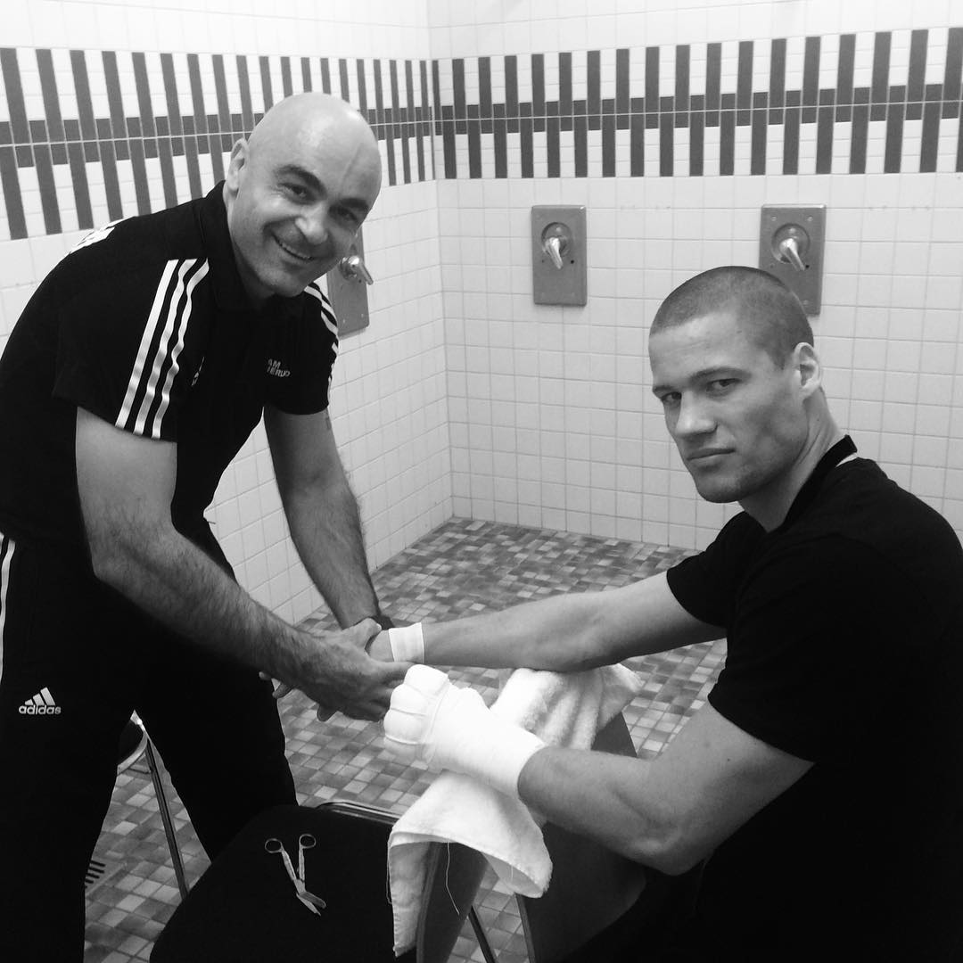 Wrapping hands?? #fight #teamsauerland #germany #teamhavnaa #abk #morad #aktivtreningarendal #whysoserious???